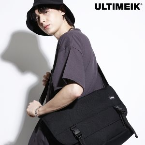 1607 Large Messenger Bag Black